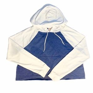 Comfy Blue and White Tie Short Hoodie